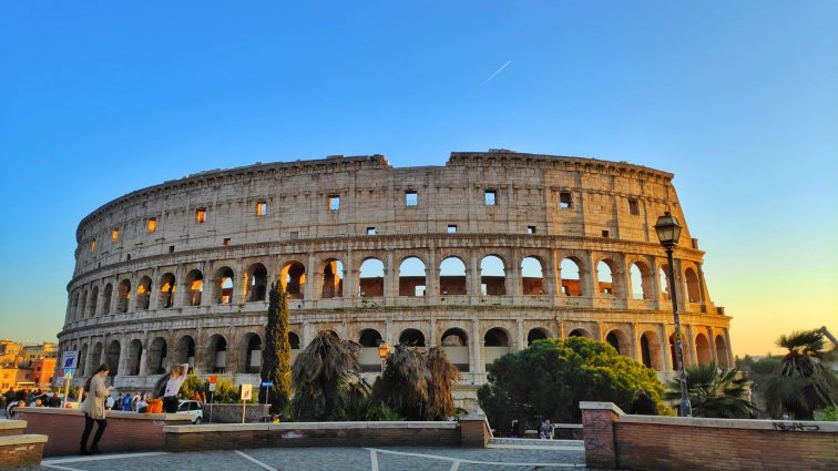 7 Wonders of the World: The Roman Colosseum